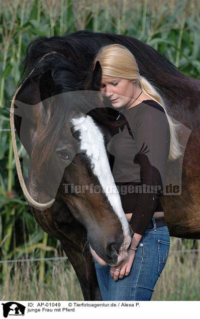 AP-01049 - junge Frau mit Pferd Bilder Stockbilder kaufen